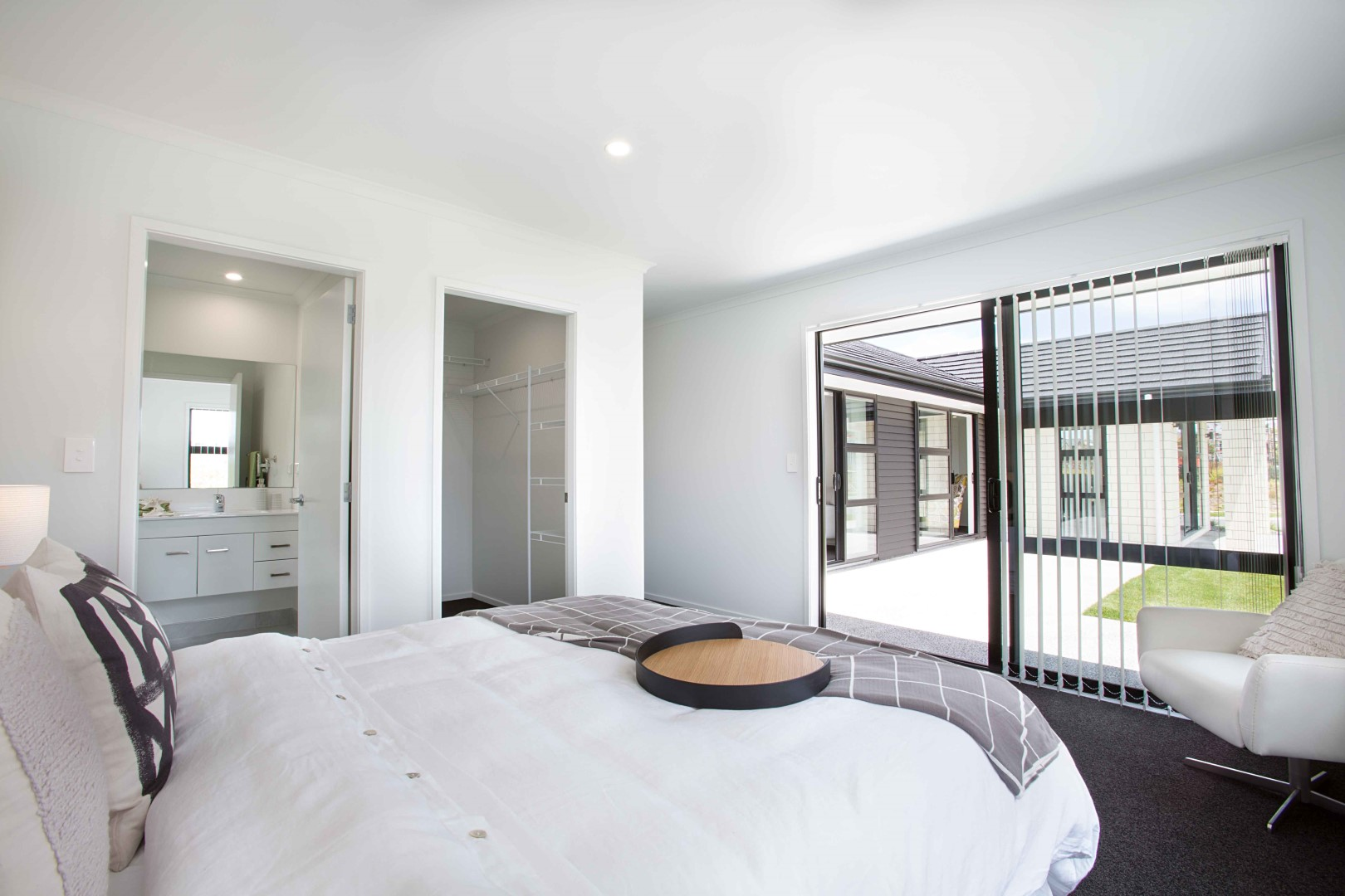 Stylish bedrooms interior design tips for Interior designs rotorua